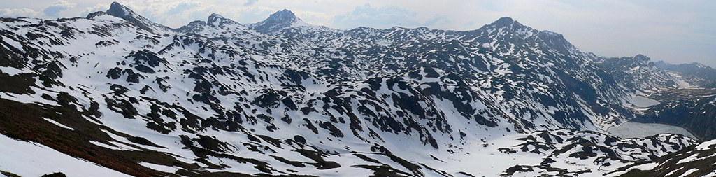 panorama do parque natural de Somiedo com neve